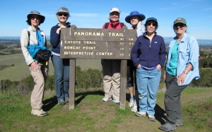 picture of Edge to Edge hiking group on Vista Hill in Foothills Park